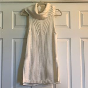 White cable knit Banana Republic Sleeveless tunic